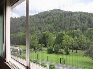 Moustiquaire plissée pour fenêtre