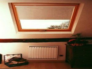 Store ANTI-CHALEUR de fenêtre de toit